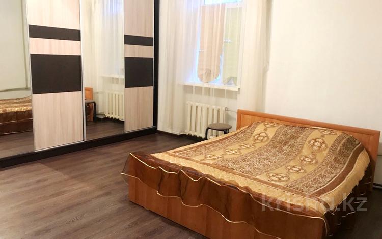 2-комнатная квартира, 65 м² посуточно, Караменде Би 40 — Мира за 5 000 〒 в Балхаше