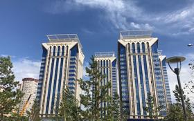 4-комнатная квартира, 104 м², 18/19 эт., Аманжолова 26/1 за ~ 36 млн ₸ в Астане, Алматинский р-н