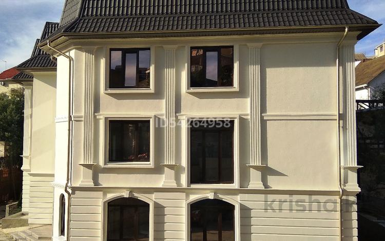 1-комнатная квартира, 30 м², 2/3 этаж, Пер. Фермерский 24 за 13.8 млн 〒 в Сочи