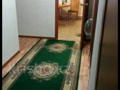 3-комнатная квартира, 73 м², 2/2 эт., Уланская 3 за 5.8 млн ₸ в Усть-Каменогорске