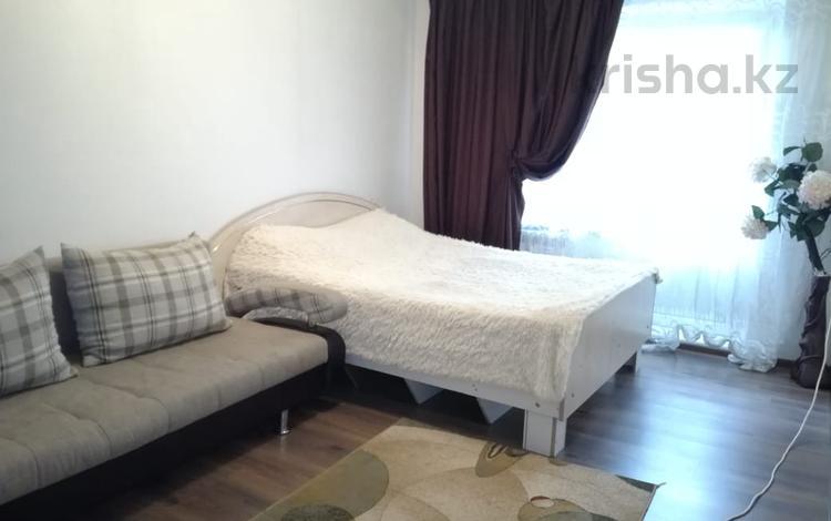 1-комнатная квартира, 35 м², 2/5 эт. посуточно, мкр №10 23А — Шаляпина за 7 000 ₸ в Алматы, Ауэзовский р-н