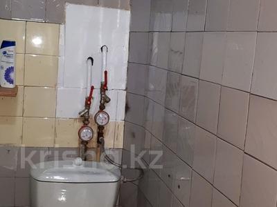 3-комнатная квартира, 59 м², 1/5 эт., Бурова 13 за 9.4 млн ₸ в Усть-Каменогорске — фото 19