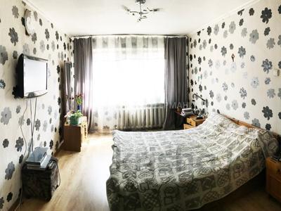 4-комнатная квартира, 73.4 м², 1/4 этаж, мкр №8, Мкр 8 39 — Алтынсарина за 25.5 млн 〒 в Алматы, Ауэзовский р-н
