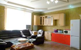 5-комнатный дом помесячно, 300 м², Чубары за 500 000 ₸ в Астане, Есильский р-н