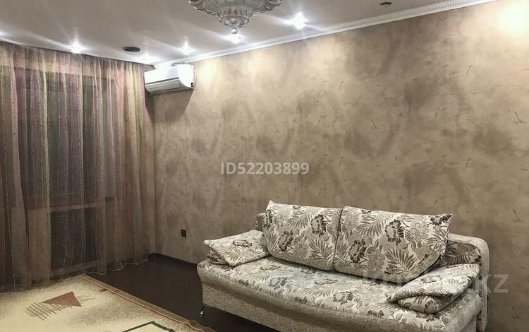 1-комнатная квартира, 55 м², 5/5 этаж посуточно, Казыбек би 103 за 5 000 〒 в Таразе