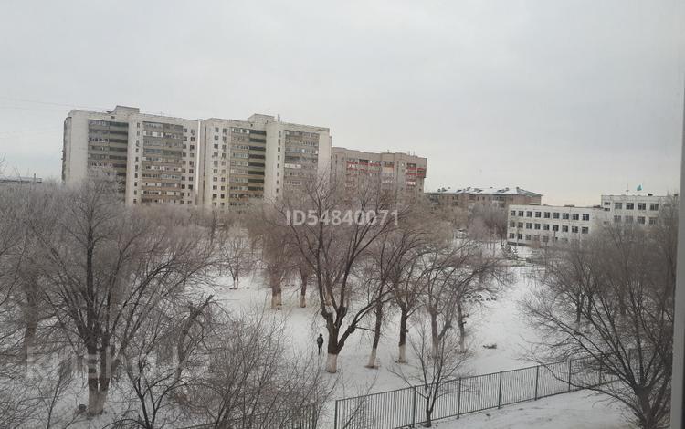 2-комнатная квартира, 42 м², 4/5 этаж, Кутузова 52 за 5 млн 〒 в Актобе, Новый город