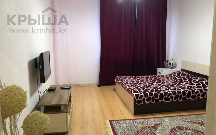 1-комнатная квартира, 50 м², 5/11 эт. посуточно, Кунаева 35 за 10 000 ₸ в Нур-Султане (Астана), Есильский р-н
