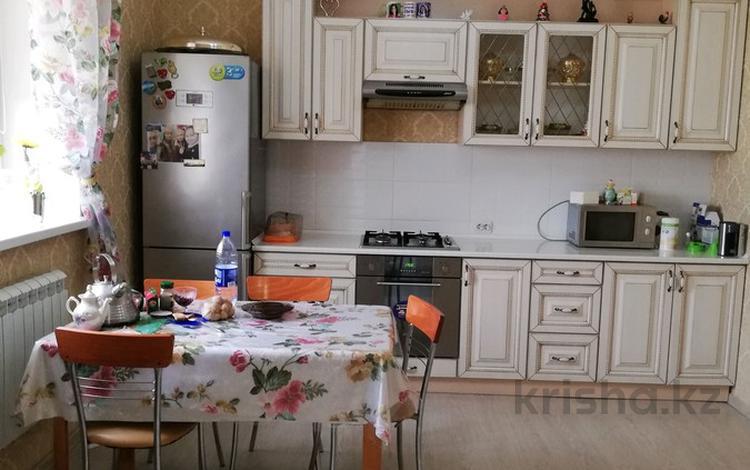 4-комнатный дом, 120 м², 4 сот., Партизанская — Ауэзова за 27 млн 〒 в Петропавловске