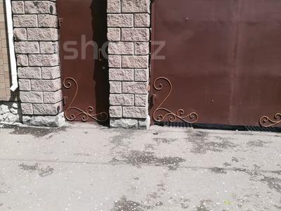 4-комнатный дом, 120 м², 4 сот., Партизанская — Ауэзова за 28 млн 〒 в Петропавловске — фото 6