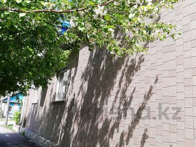 4-комнатный дом, 120 м², 4 сот., Партизанская — Ауэзова за 28 млн 〒 в Петропавловске — фото 7