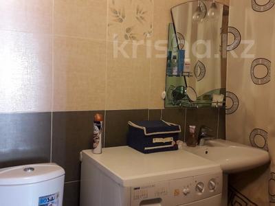 3-комнатная квартира, 68 м², 6/9 эт., ул. Крылова 46 за 16 млн ₸ в Караганде, Казыбек би р-н — фото 3