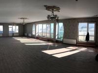 6-комнатная квартира, 310 м², 14/14 этаж помесячно
