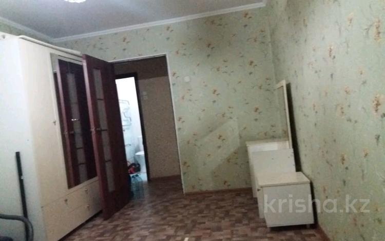 3-комнатная квартира, 60 м², 4/4 этаж, проспект Бауыржан Момышулы 13 — Центр за 14.5 млн 〒 в Шымкенте