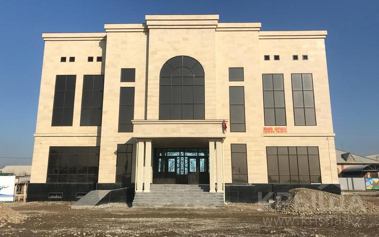 Здание, Бекзат Саттарханов — Жібек жолы площадью 1296 м² за 2 000 〒 в Туркестане
