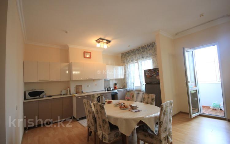 3-комнатная квартира, 100 м², 9/12 этаж, Кунаева за 33.6 млн 〒 в Нур-Султане (Астана), Есиль р-н