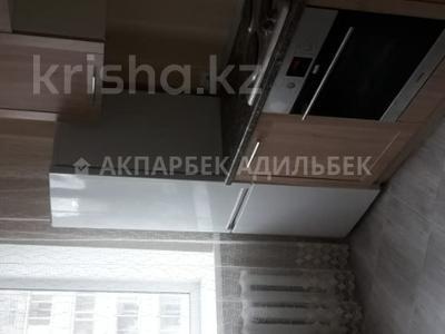 2-комнатная квартира, 60 м², 3/9 эт. помесячно, Кенена Азербаева 6/3 за 120 000 ₸ в Нур-Султане (Астана) — фото 2