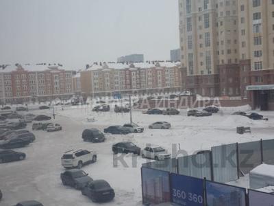 2-комнатная квартира, 60 м², 8/8 этаж, 37-я 1 за 19.9 млн 〒 в Нур-Султане (Астана), Есиль р-н — фото 5