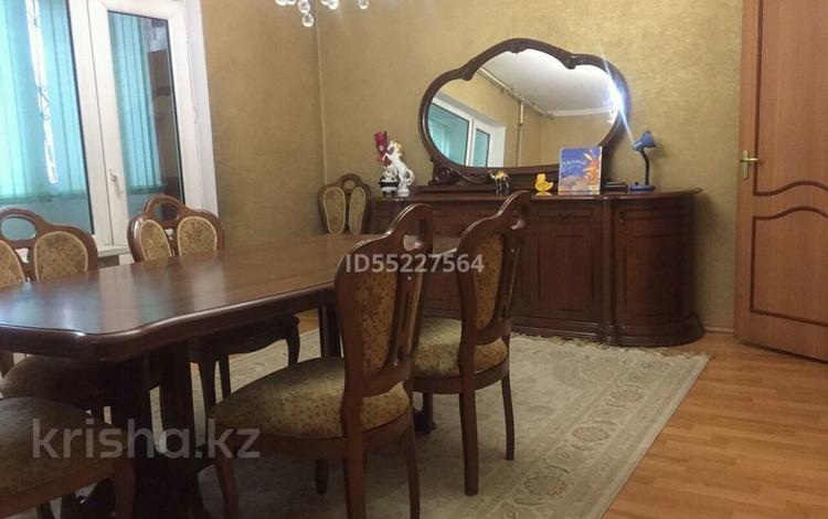 4-комнатная квартира, 89 м², 2/12 этаж, мкр Аксай-1 — Толе би за 29 млн 〒 в Алматы, Ауэзовский р-н