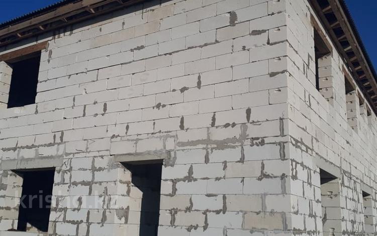 5-комнатный дом, 260 м², 7 сот., Санкибай батыр 123 за 9.5 млн ₸ в Актобе