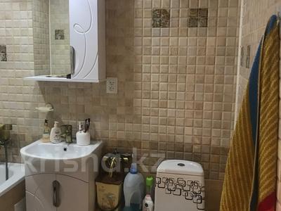3-комнатная квартира, 59.3 м², 3/5 эт., М.Жалиля 9 за 15 млн ₸ в Жезказгане — фото 14