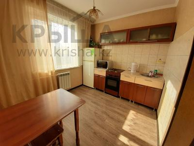 1-комнатная квартира, 37 м², 2/9 этаж по часам, улица Байзакова 137 — Толстого за 2 000 〒 в Павлодаре
