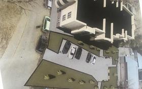 Здание площадью 2000 м², мкр Казахфильм, Исиналиева б/н — Аль-Фараби за 176 млн 〒 в Алматы, Бостандыкский р-н
