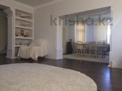 10-комнатный дом, 400 м², 6 сот., Дулатова 126 за 150 млн ₸ в Семее — фото 9