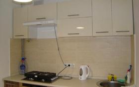 1-комнатная квартира, 30 м², 3/6 эт. помесячно, Аскарова за 80 000 ₸ в Алматы, Бостандыкский р-н