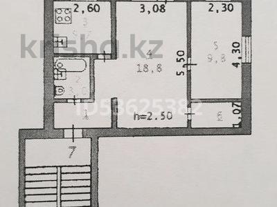 2-комнатная квартира, 45 м², 2/3 этаж, проспект Азаттык 126 за 6.5 млн 〒 в Атырау