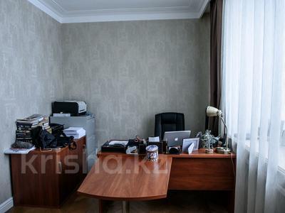 5-комнатная квартира, 214 м², 8/13 эт., Кенесары — Сембинова за 58 млн ₸ в Нур-Султане (Астана), Алматинский р-н — фото 14