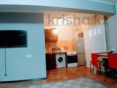 1-комнатная квартира, 50 м², 2/5 эт. посуточно, Байсеитова — Ленина за 4 000 ₸ в Балхаше