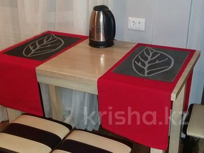 1-комнатная квартира, 50 м², 2/5 эт. посуточно, Байсеитова — Ленина за 4 000 ₸ в Балхаше — фото 3
