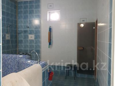 10-комнатный дом, 365 м², 9 сот., Ельшебек Батыра — Тауке Хана за 70 млн ₸ в Шымкенте, Енбекшинский р-н — фото 7