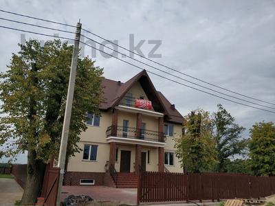 4-комнатная квартира, 132 м², 2/3 этаж, 1-й Андреевский проезд 11 за 42 млн 〒 в Калининграде