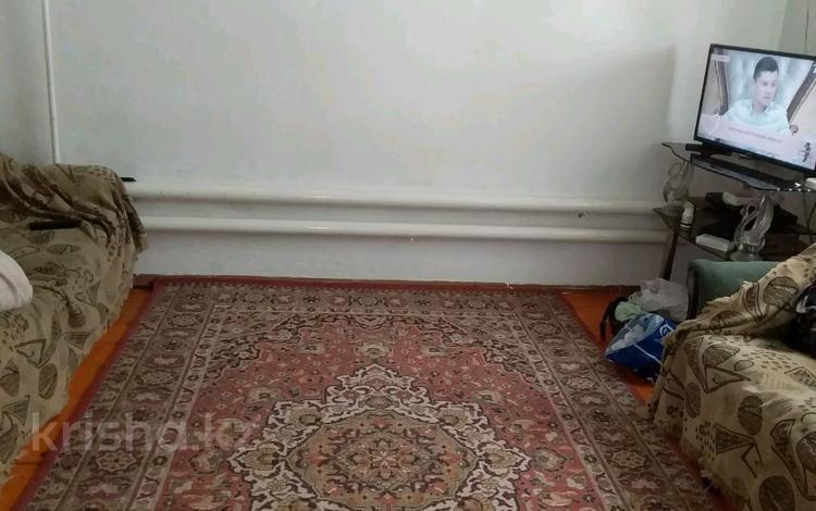 6-комнатный дом, 14.1 м², 16 сот., Самал1.Манас 19 за 60 млн 〒 в Шымкенте, Абайский р-н