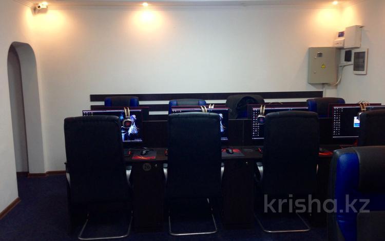 Магазин площадью 100 м², мкр Самал-2 23 за 145 млн ₸ в Алматы, Медеуский р-н