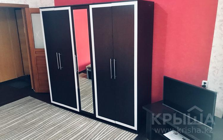 1-комнатная квартира, 36 м², 2/5 эт. по часам, Степной 1 20 — Республики за 750 ₸ в Караганде, Казыбек би р-н