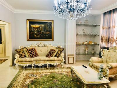 2-комнатная квартира, 90 м² помесячно, Аль-Фараби 7 за 450 000 ₸ в Алматы, Бостандыкский р-н