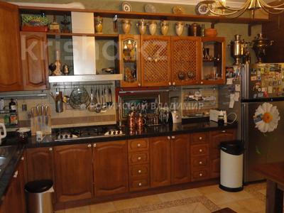8-комнатный дом, 538.1 м², 10 сот., Аскарова — Бобек за ~ 141 млн ₸ в Алматы, Ауэзовский р-н — фото 27