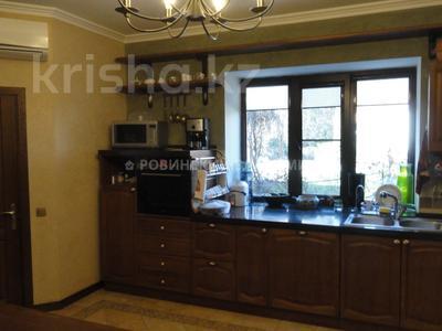 8-комнатный дом, 538.1 м², 10 сот., Аскарова — Бобек за ~ 141 млн ₸ в Алматы, Ауэзовский р-н — фото 28