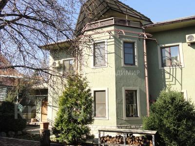 8-комнатный дом, 538.1 м², 10 сот., Аскарова — Бобек за ~ 141 млн ₸ в Алматы, Ауэзовский р-н
