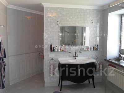 8-комнатный дом, 538.1 м², 10 сот., Аскарова — Бобек за ~ 141 млн ₸ в Алматы, Ауэзовский р-н — фото 46