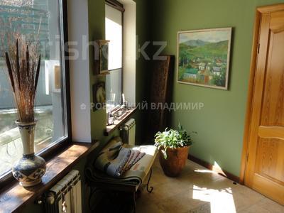 8-комнатный дом, 538.1 м², 10 сот., Аскарова — Бобек за ~ 141 млн ₸ в Алматы, Ауэзовский р-н — фото 9