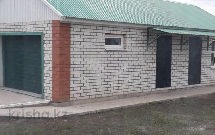 3-комнатный дом, 100 м², 13 сот., 11 мкр. за 16.5 млн ₸ в Аксае
