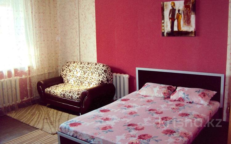 1-комнатная квартира, 34 м², 3/5 эт. посуточно, Степной 1 19 — Автостанция, Муканова за 5 990 ₸ в Караганде, Казыбек би р-н
