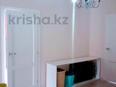 5-комнатный дом помесячно, 300 м², 10 сот., мкр Баганашыл за 400 000 〒 в Алматы, Бостандыкский р-н — фото 12