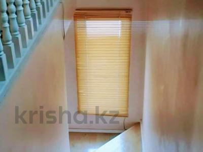 5-комнатный дом помесячно, 300 м², 10 сот., мкр Баганашыл за 400 000 〒 в Алматы, Бостандыкский р-н — фото 6