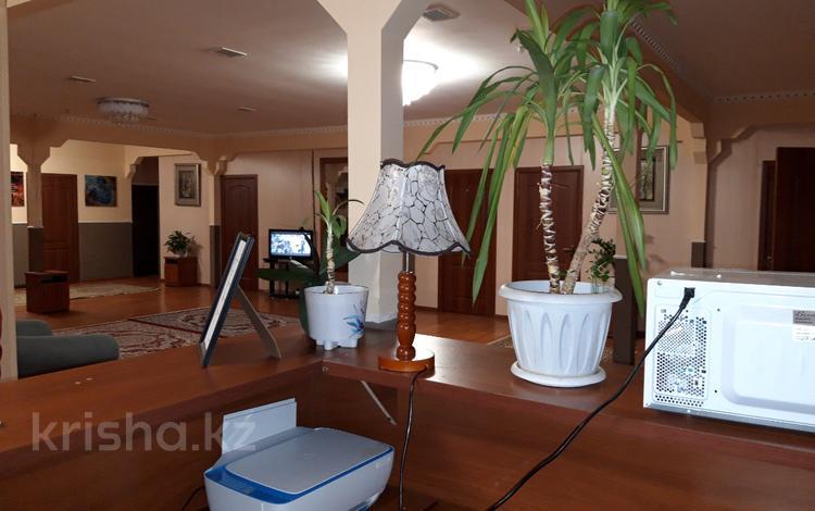 1-комнатная квартира, 45 м², 2/4 этаж посуточно, мкр Горный Гигант, Жамакаева 220 за 6 000 〒 в Алматы, Медеуский р-н