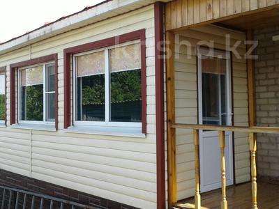 4-комнатный дом, 90 м², 4 сот., 1-й переулок Амангельды — Таштитова за 16 млн 〒 в Петропавловске — фото 2