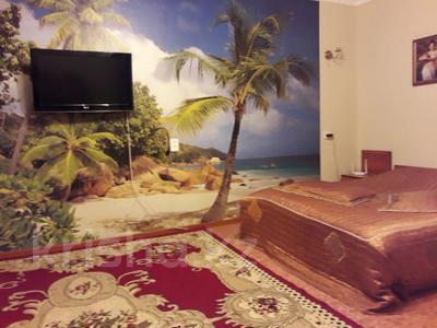 1-комнатная квартира, 42 м² посуточно, Иртышская 11 — проспект Ауэзова за 5 000 ₸ в Семее — фото 5
